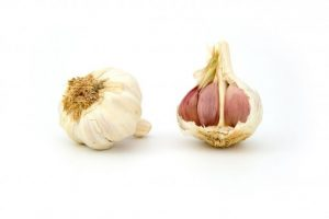 Garlic- Foods to eat every day